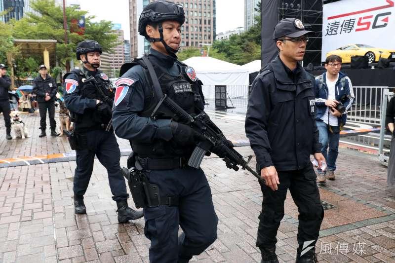 台北市警察局信義分局30日上午召開跨年晚會反恐記者會,圖為刑大特勤中隊。(蘇仲泓攝)