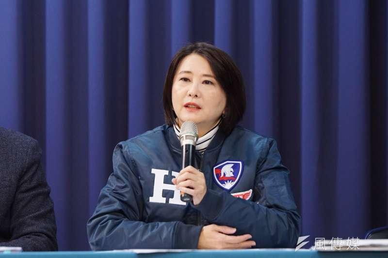 國民黨發言人、台北市議員王鴻薇(見圖)表示,中央600億紓困預算花在地方政府只有大約14億,質疑中央是否透過紓困預算來綁樁。(資料照,盧逸峰攝)