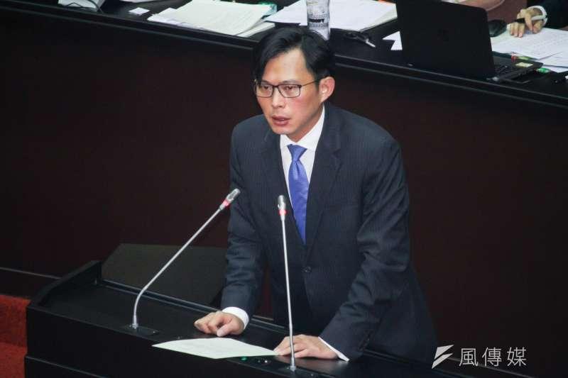 20191231-立法院9屆8會期15次會議對「反滲透法」草案進行討論,圖為時代力量立委黃國昌進行發言。(蔡親傑攝)