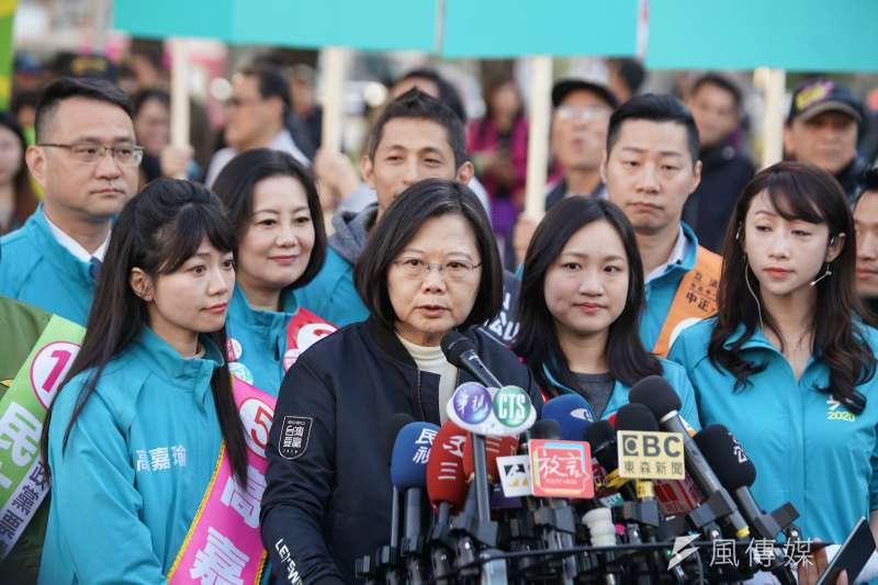 總統蔡英文(見圖)2日表示,用過去威權的心態,解讀保護台灣民主、防止中國滲透的《反滲透法》是不適當的。(資料照,盧逸峰攝)