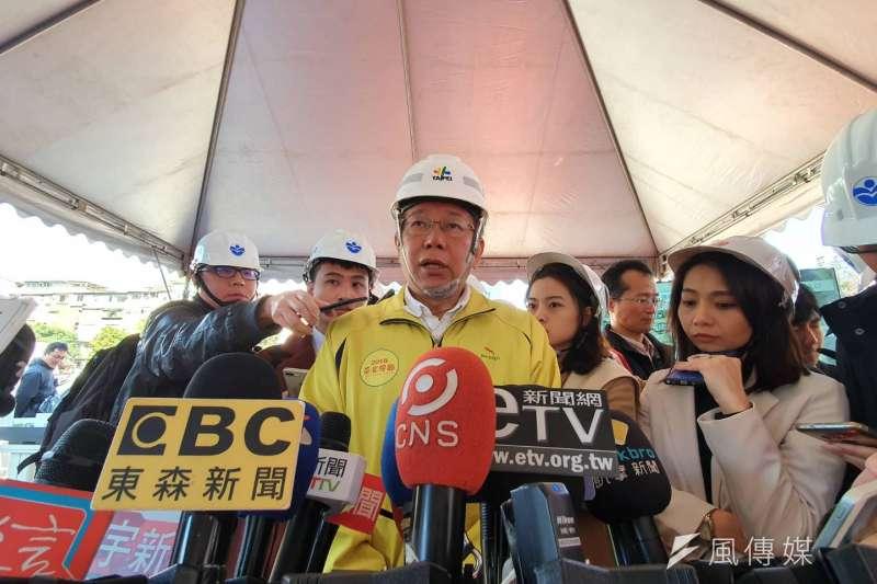 台北市長柯文哲(見圖)3日上午前往成功中繼市場工地視察,受訪時談及「卡神」楊蕙如案。(方炳超攝)