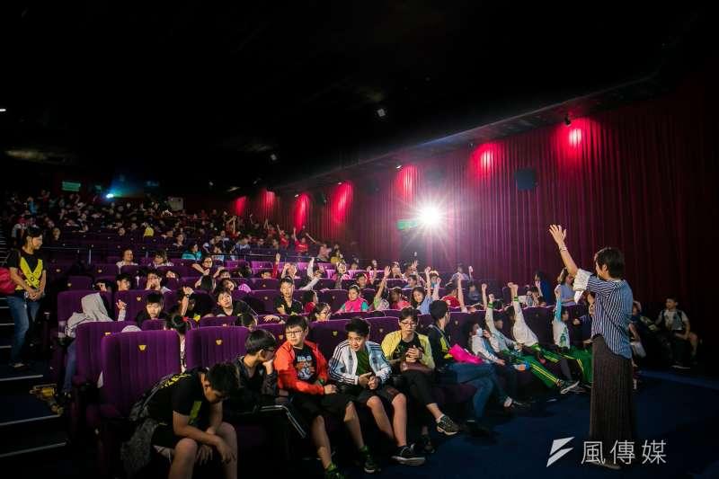 台灣兒童節目自製比例不到1成,而在直播網紅正夯、日本動畫當道的現況下,台灣兒少節目製作的現況面臨很大的考驗。圖為公視在2018年舉辦台灣國際兒童影展映後座談活動。(公視提供)