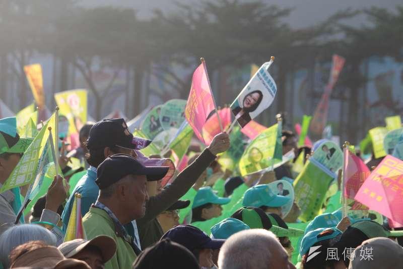 民進黨5日在台南舉辦「台南拚第一、台灣全勝利」造勢大會,但國民黨台南市黨部主委謝龍介認為,支持者熱情度僅有50分,而國民黨則有90分。(資料照,黃信維攝)