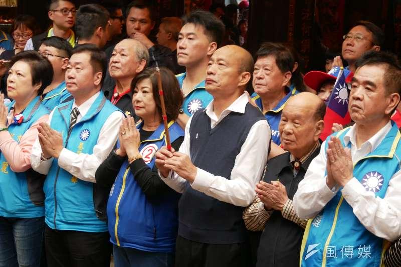 國民黨總統候選人韓國瑜7日早上到基隆慶安宮參拜。(潘維庭攝)