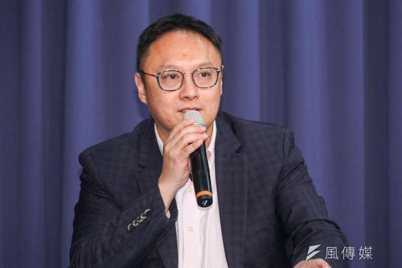 高市新聞局長鄭照新(見圖)指出,高雄市長韓國瑜臉書將郝柏村誤植為「五星上將」,是因年輕小編對軍隊編制不熟。(資料照,蔡親傑攝)