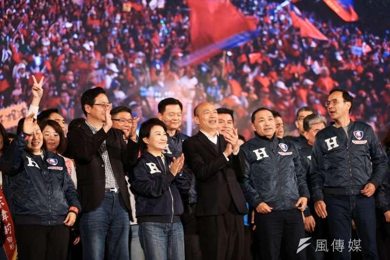 韓國瑜要以蔡英文為鑑;蔡英文要以自己為戒;圖為國民黨總統候選人韓國瑜凱道造勢大會。(簡必丞攝)