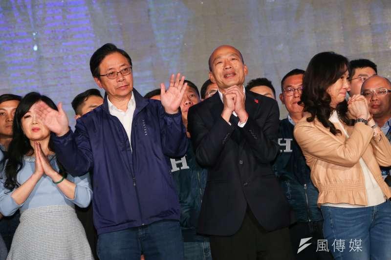 國民黨總統候選人韓國瑜(中右)敗選,瓊瑤發24字貼文吐露心聲。(資料照,顏麟宇攝)