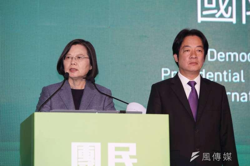 民進黨正副總統候選人蔡英文(見圖)、賴清德拿下超過817萬票,以57.13%的得票率高票當選。(盧逸峰攝)