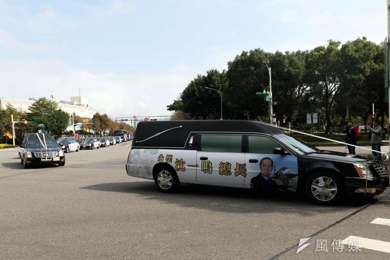 20200114-國防部在14日上午於空軍松指部舉行聯合公奠典禮,啟靈車隊由空軍松指部前往第二殯儀館。(蘇仲泓攝)