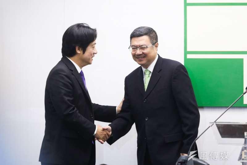 20200115-副總統當選人賴清德(左)與民進黨主席卓榮泰(右)15日出席民進黨中常會。(簡必丞攝)