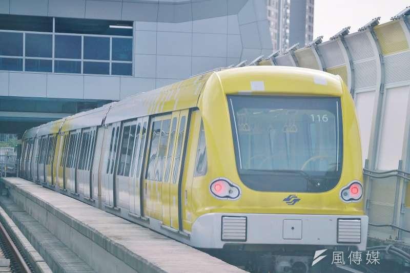 新北市長侯友宜16日視察捷運環狀線,圖為環狀線列車。(盧逸峰攝)