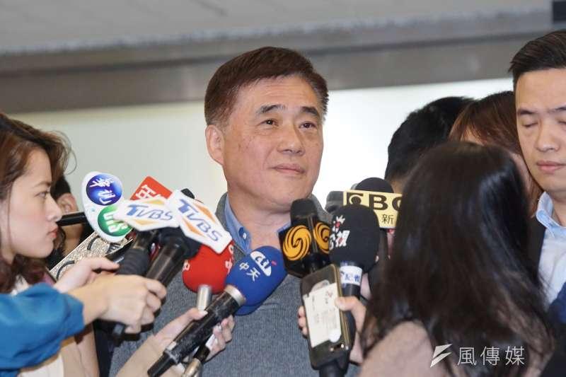 前立委沈富雄直言,想不通為前台北市長何郝龍斌想不透自己參選是「不對的人、在不對的時間、想佔不對的位子」;他也大膽預言,郝龍斌不只會輸,還會輸得不好看。(資料照,盧逸峰攝)