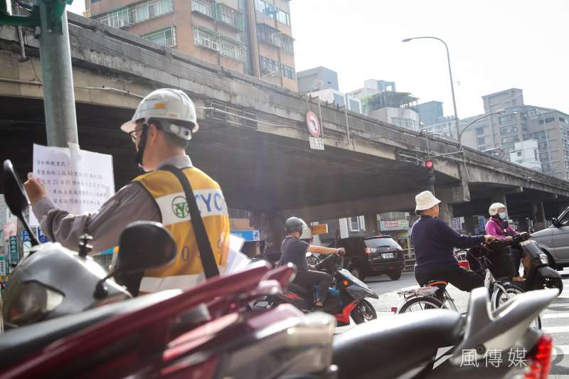 20200122-中正橋引道重慶南路高架段將於23日進行拆除工程。(顏麟宇攝)