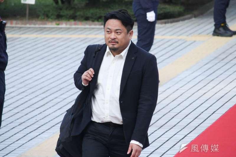 民進黨立委洪申翰今天在臉書貼文,聲援被迫飛往中國復工的台灣員工。(資料照,蔡親傑攝)