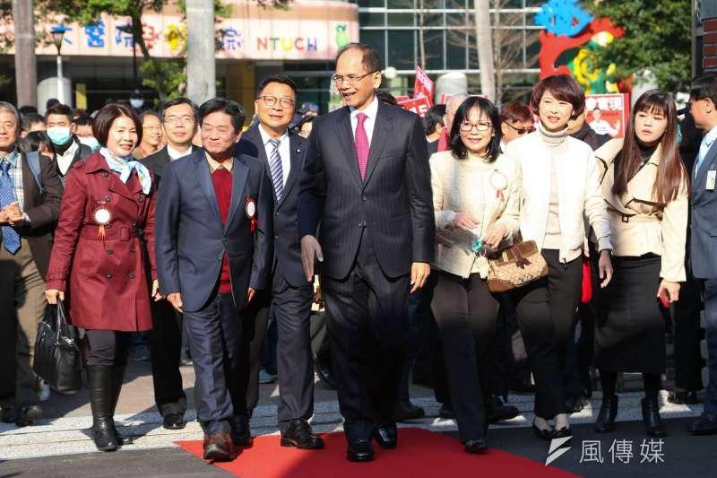 20200201-立法院第十屆立委1日宣誓就職,民進黨立委游錫堃率領正國會立委群出席。(顏麟宇攝)