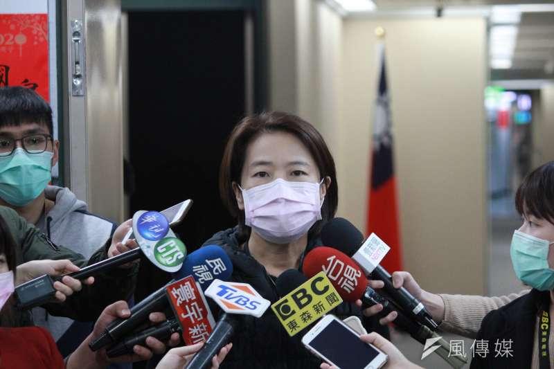 武漢肺炎疫情升溫,針對台北燈節晚間開幕,台北市副市長黃珊珊表示,若會近距離接觸,建議民眾有口罩就戴口罩比較安全。(資料照,方炳超攝)