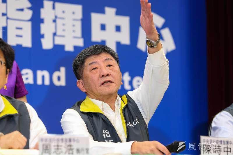 根據TVBS最新民調,民眾對於疫情指揮中心指揮官陳時中進行防疫措施的處理,滿意度高達82%,僅有6%表示不滿。(資料照,顏麟宇攝)