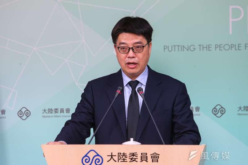 針對武漢台人包機議題,陸委會副主委邱垂正6日召開記者會說明。(顏麟宇攝)
