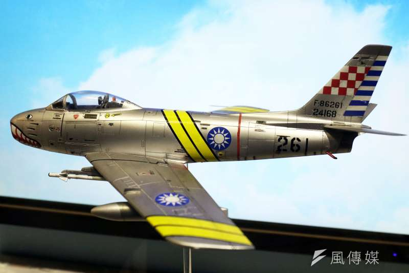20200207-1958年的台海上空,因逢「823砲戰」期間而頻頻上演陸海空戰鬥,一次我方欲對中國沿海進行偵照任務,派遣大批F-86F(圖)升空掩護,其中隸屬第11大隊第44中隊的李叔元,以AIM-9B飛彈將敵機擊落,首開世界空戰先河。(蘇仲泓攝)