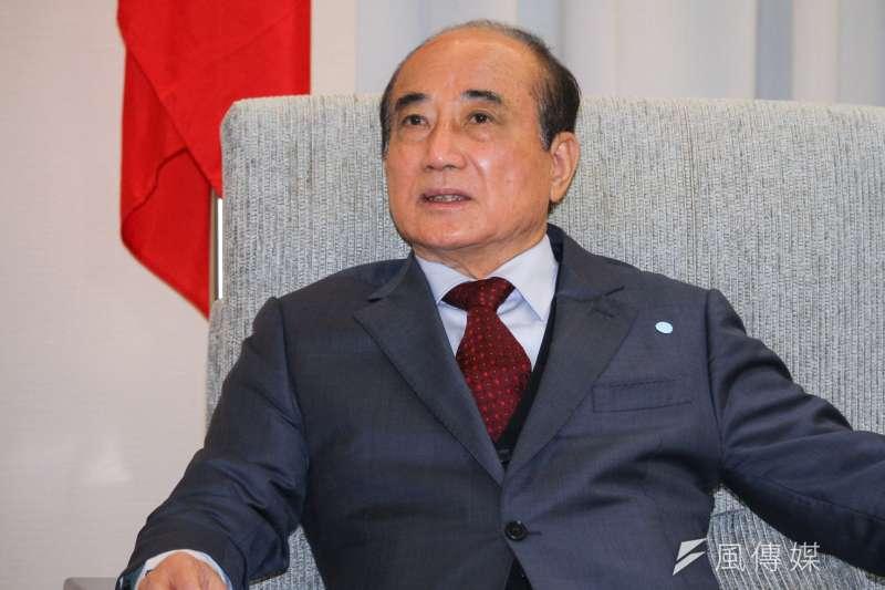 20200207-新任立法院長游錫堃7日拜會前立法院長王金平(見圖)。(蔡親傑攝)