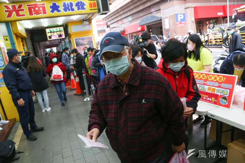 考選部13日表示,因應武漢肺炎疫情,2月的國家考試,考生應試時須配戴口罩與量體溫。(資料照,顏麟宇攝)