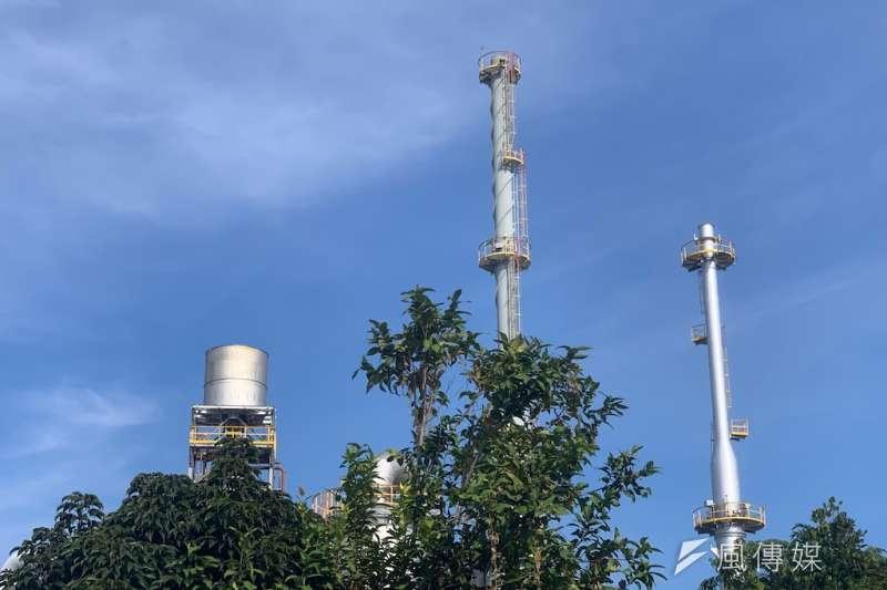 環保局近期完成108年第3季空污費申報審查,檢視最新空污費申報結果,高雄市108年1至3季合計已較107年同期減少23%粒狀物排放。(圖/徐炳文攝)