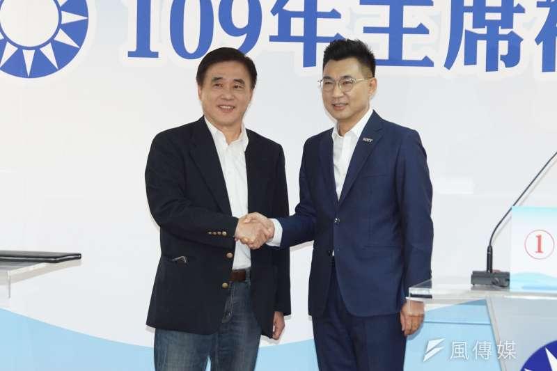 參選主席的郝龍斌(左)、江啟臣(右),均提出國民黨應與中國保持距離的政見。(盧逸峰攝)