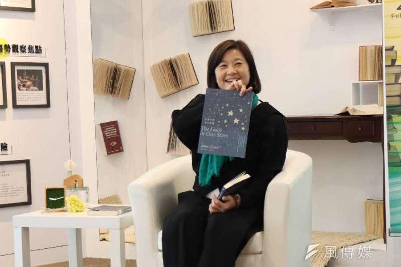 文化局長林思伶推薦《生命中的美好缺憾》帶領讀者一起探索,感恩生命的美好。(圖/徐炳文攝)