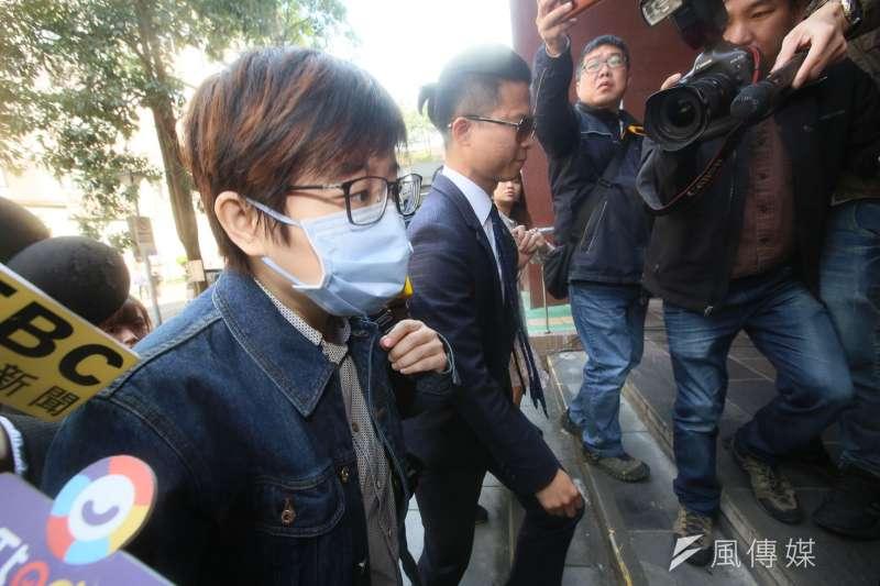 台北地院於14日上午首度開庭審理「卡神案」,卡神楊蕙如(見圖)在律師陪同下應訊。(柯承惠攝)