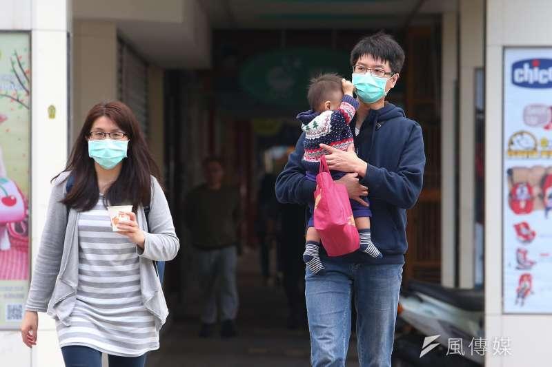 武漢肺炎(新冠肺炎)疫情延燒,目前台灣出現26例確診個案,各級學校即將在2月25日陸續開學,校園防疫備受關注。(資料照,顏麟宇攝)
