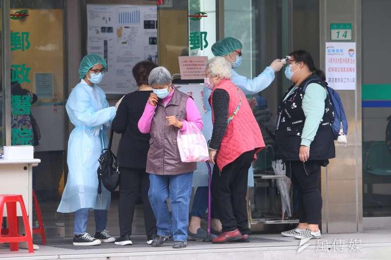 振興醫院醫師蔡賢龍在臉書發文表示,台灣透過「地毯式」掃瞄找出第19名新冠肺炎患者,過程非常細心,令人感動。(資料照,顏麟宇攝)(資料照,顏麟宇攝)