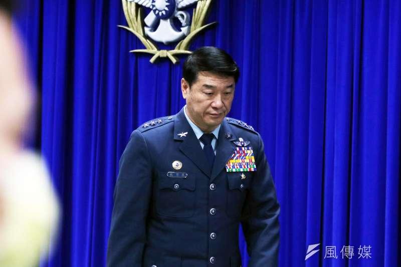 空軍黑鷹直升機日前失事,造成參謀總長等8名將士殉職。空軍司令熊厚基上將(見圖)15日提出懲處名單,包含自己在內,共有5人遭到懲處。(蘇仲泓攝)