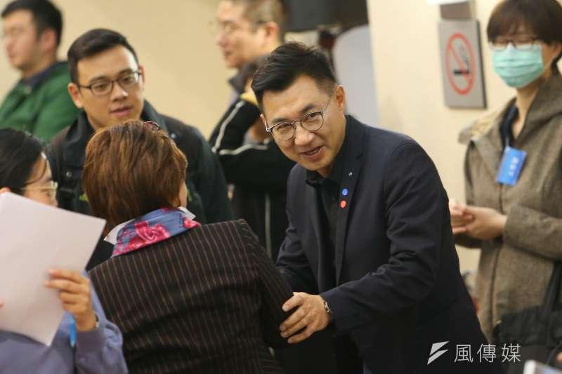 國民黨主席補選候選人江啟臣(右)表示,國民黨的危機不是在世代交替,而在沒有下一代。(顏麟宇攝)