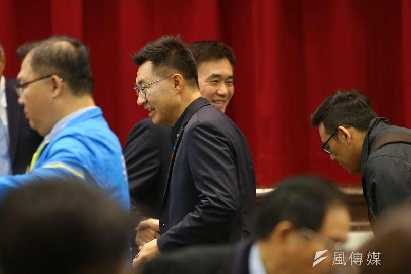 國民黨主席補選將於7日投票,根據TVBS最新民調,超過半數民眾並不關心這場選舉。圖為補選候選人江啟臣(左)與郝龍斌(右)。(資料照,顏麟宇攝)