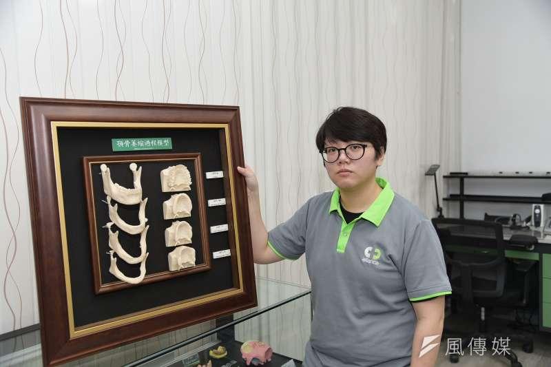 8年級青年王亭雅,透過職場導師的帶領,成長獨當一面的牙體技術師。(圖/勞動部高屏澎東分署)