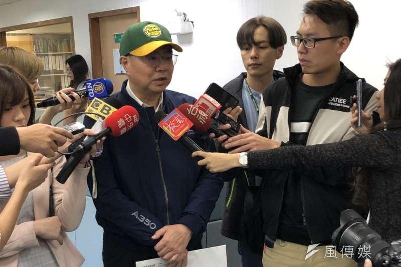 民進黨主席卓榮泰(見圖)26日於中常會前受訪時直言,這個時候疫情尚在,暫停遶境反而是神明給人們的慈悲與智慧。(顏振凱攝)