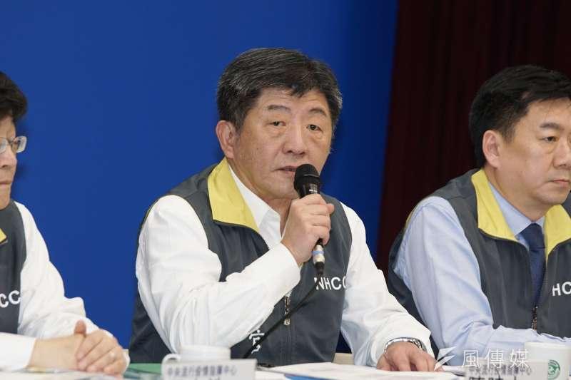中央流行疫情指揮中心指揮官陳時中(中)表示,雖然找不到武漢肺炎第24案例的感染源,但目前已經沒有往外感染的疑慮,所以宣布已經結案。(資料照,盧逸峰攝)