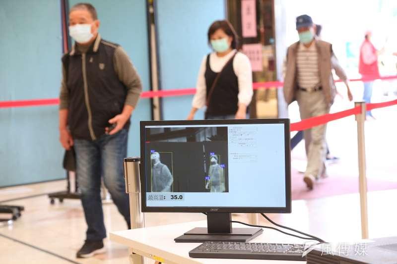 台南一名鄭姓女子日前和1歲多女兒剛從南韓返台,未依規定自主隔離14天,反要求醫院替女兒施打疫苗,讓婦產科名醫蘇怡寧在臉書上怒轟。示意圖。(資料照,顏麟宇攝)
