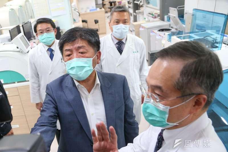 全民防疫防出「中國人免費享用台灣健保」的荒唐迷思。圖為衛福部長陳時中視察台北榮總超前部署情形。(顏麟宇攝)