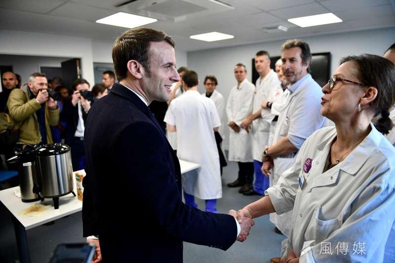 武漢肺炎:法國確診病例破百,總統馬克宏赴醫院視察(AP)