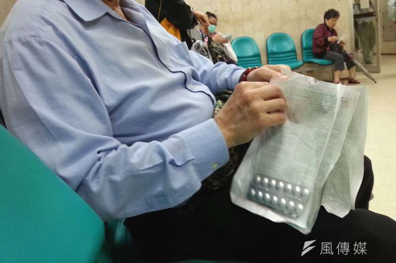 近10年健保納入給付新藥累計449項,共同特色是高單價。(林瑞慶攝)