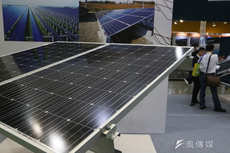 台灣太陽能產業最上游的原料,9成以上都依賴進口。(柯承惠攝)