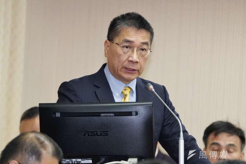 內政部長徐國勇(見圖)表示,為避免感染武漢肺炎,將暫時取消全國性酒測,目前的酒測器也改採單獨吹嘴。(資料照,盧逸峰攝)