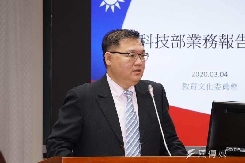 20200304-立委李德維4日出席教育文化委員會質詢。(盧逸峰攝)