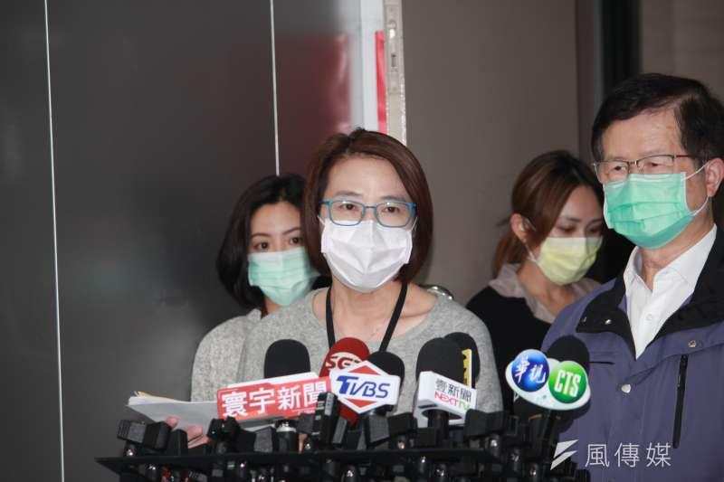 20200306-北市副市長黃珊珊今(6)日表示,希望清明節返鄉掃墓的民眾,能夠考慮選擇用網路公祭進行。(方炳超攝)