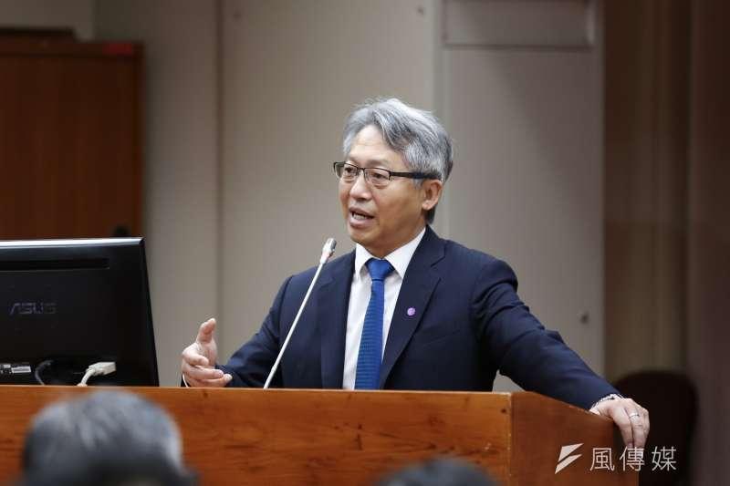 中央研究院院長廖俊智21日出席立法院教育及文化委員會,表示國內疫苗發展,上市時間最快預計在明年中旬。(資料照,簡必丞攝)
