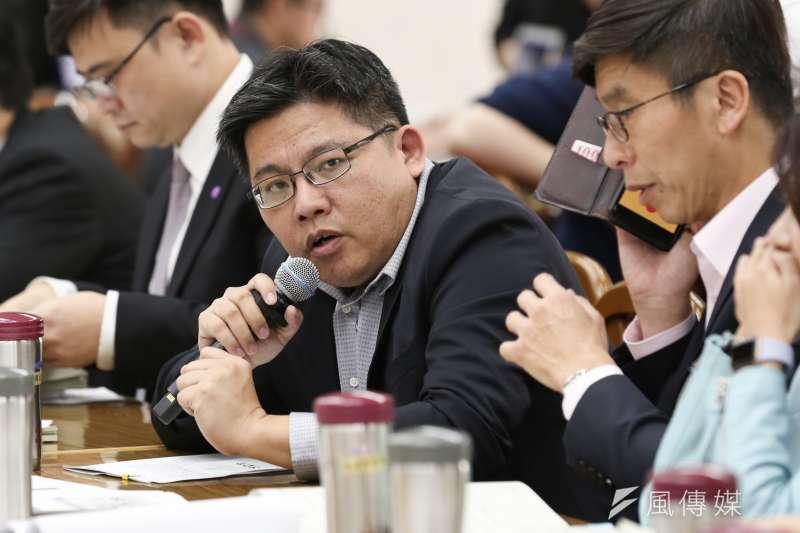 20200309-時代力量主席邱顯智9日出席立法院財政委員會審查預算案。(簡必丞攝)