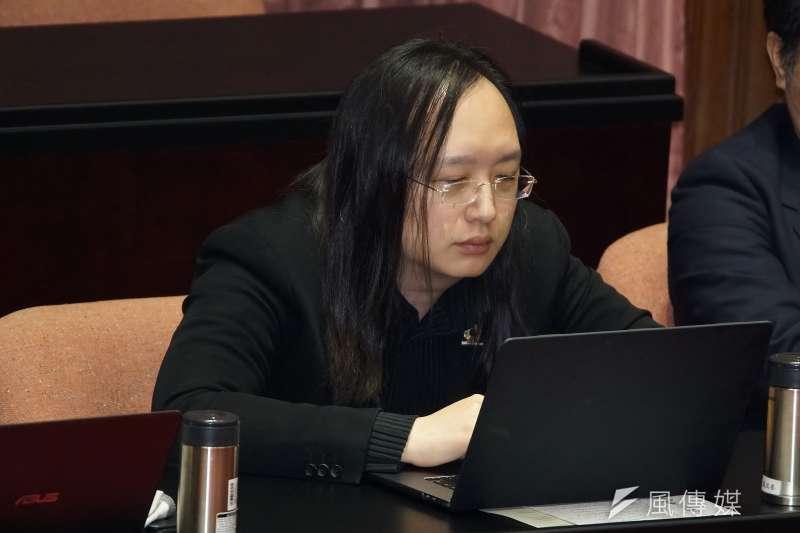 20200310-政務委員唐鳳10日於立法院院會備詢。(盧逸峰攝)