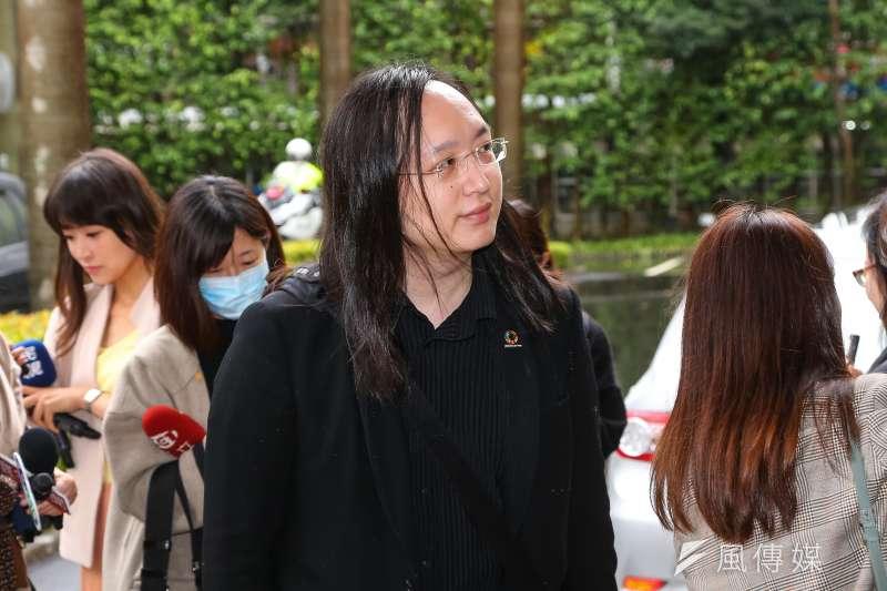 負責網購系統的唐鳳15日上午在臉書發文說明口罩實名制 2.0的主要目的。(資料照,顏麟宇攝)