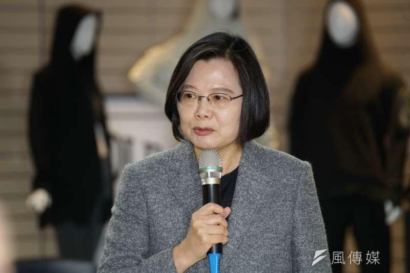 總統蔡英文今以「Taiwan Can Help,Taiwan is Helping」做圖文,強調疫情無國界,台灣行有餘力,協助全球疫情控制,並提供口罩、藥物、技術3項國際支援。(資料照,盧逸峰攝)
